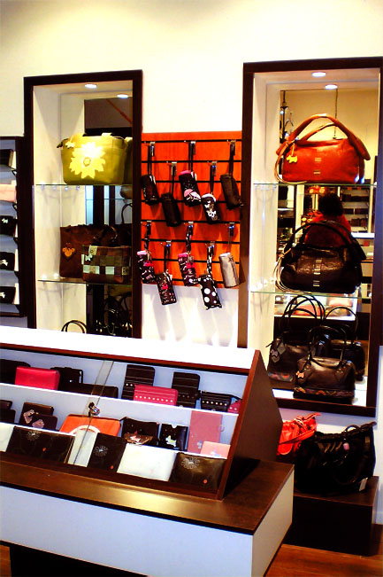 Мебель для магазина сумок, дизайн и.
